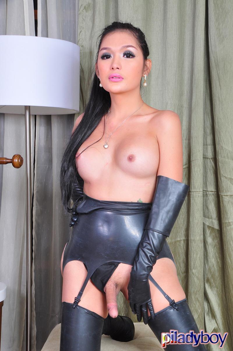 huge tits indian gloves sex -